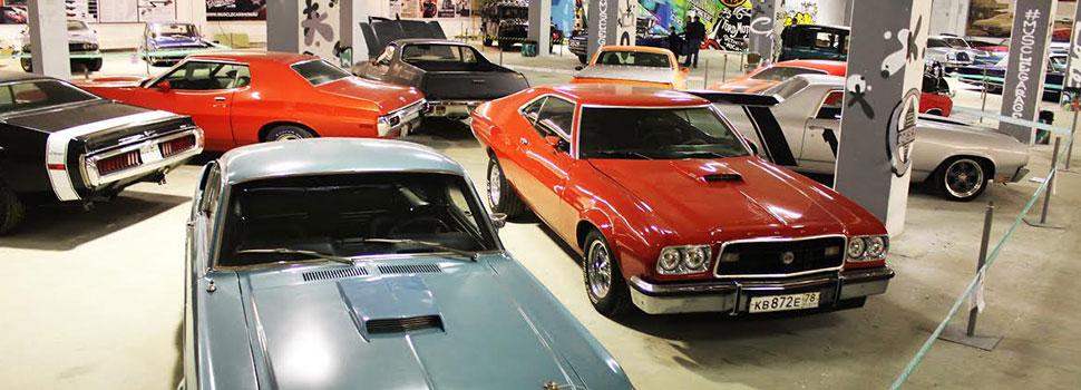 Выставка ретро автомобилей в ТРК «Галерея»